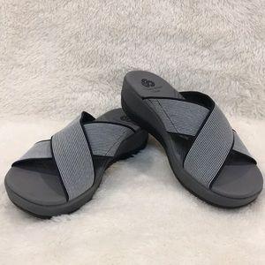 NWT Clark's Cloudsteppers Arla Elin Sandals Size 6